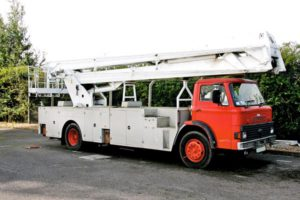 Bucket Truck-2